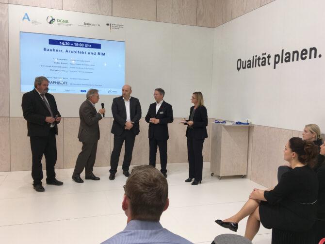 """Panel """"Bauherr, Architekt und BIM"""" auf der Expo"""